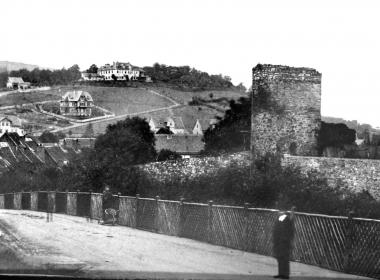 Reste der Stadtmauer am Burgberg um 1870 - Dieter Oemler