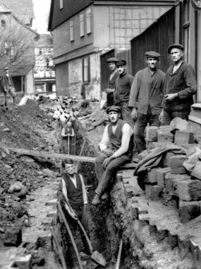 Bau einer innerstädtischen Kanalisation - Dieter Oemler