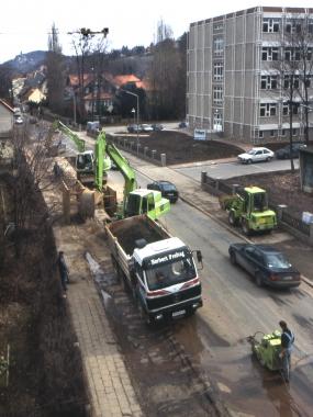 Anschluss der letzten Grundstücke an das Abwasserkanalnetz. - Dieter Oemler