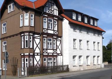 """Das ehemalige Haus Sierakowski in der Friedrichstraße, heute Villa """"Kunterbunt"""" - Dieter Oemler"""
