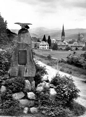 Adlerdenkmal zum Gedenken an die Gefallenen im Deutsch-Dänischen und im Deutsch-Östereichischen Krieg - Dieter Oemler