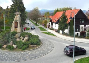 Das neue Adler-Denkmal - Dieter Oemler