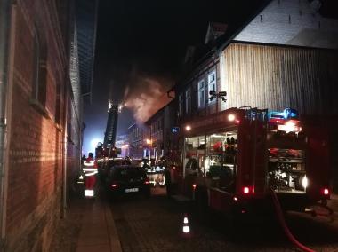 Einsatz von Feuerwehr und THW beim Großbrand am 25. Februar 2018 - Söchting