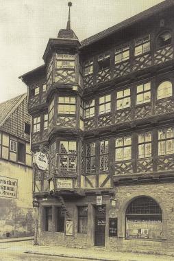 """Hotel """"Zum Bären""""/Faulbaumsches Haus von 1684, Breite Straße 78 um 1910 - gemeinfrei"""